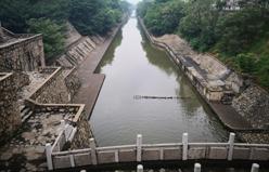 西安护城河长乐门北侧淤泥消减